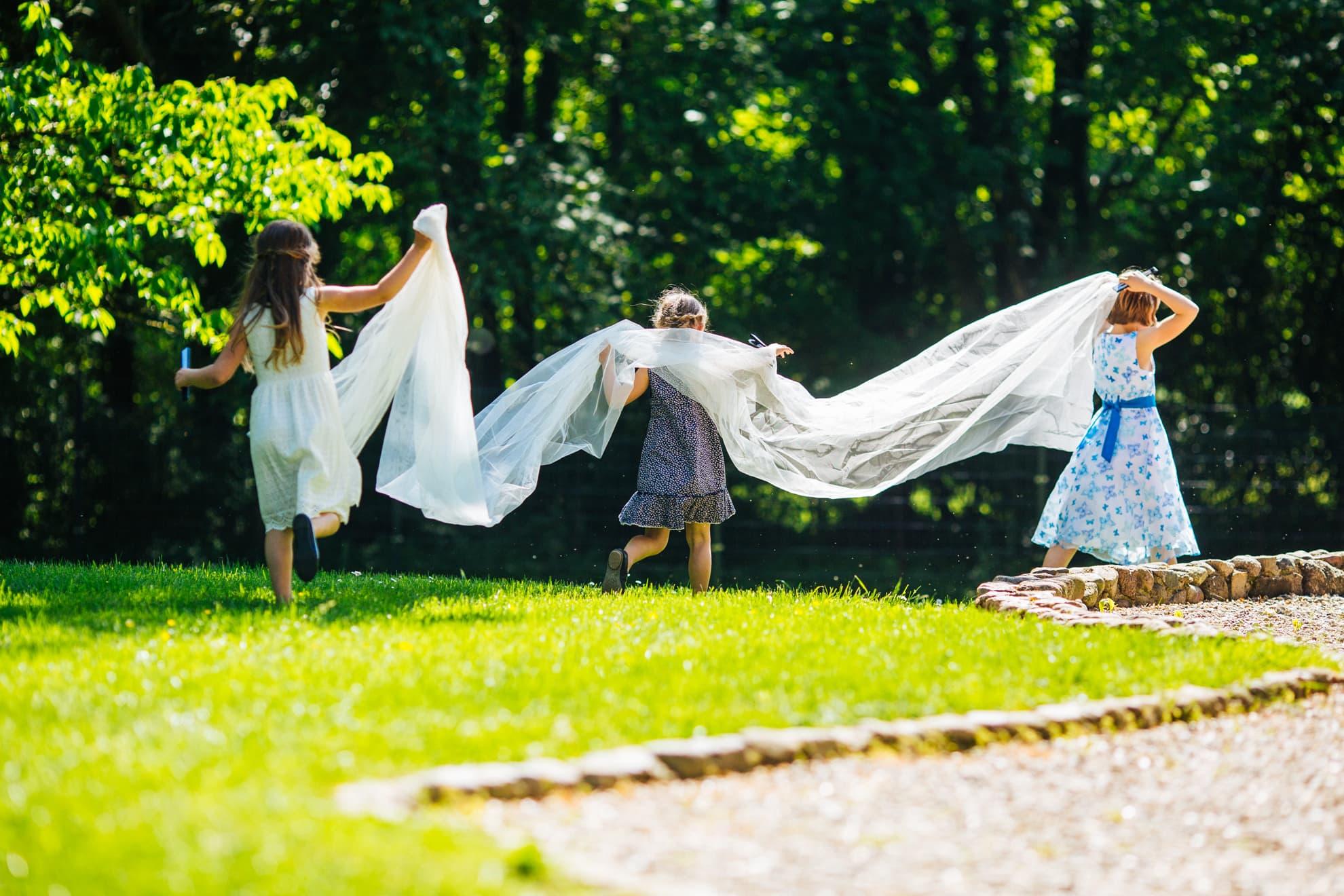Fotografenpaar aus Lübeck, Hochzeit Hochzeitsfotos Hochzeitsfotograf Fotograf Mölln, Scharbeutz,Timmendorf Lübeck - Hochzeitsreportage von Karoline und Thomas Eure Hochzeitsfotografen, www.studioamkanal.de